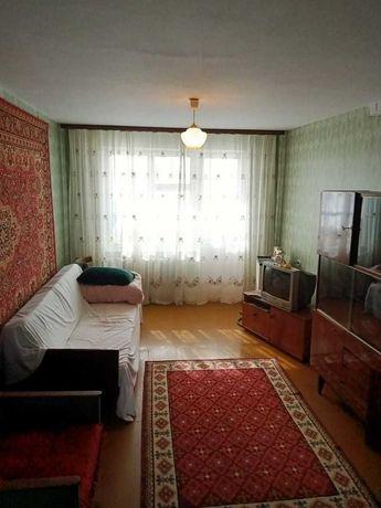 Продается 2 комнатная квартира , район Универмаг.