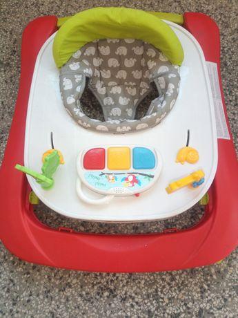 Бебешки активен център,вана,столче/кошница за кола,колани за прохождан