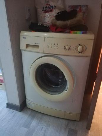 Автомат стиральная машина в рабочем состоянии