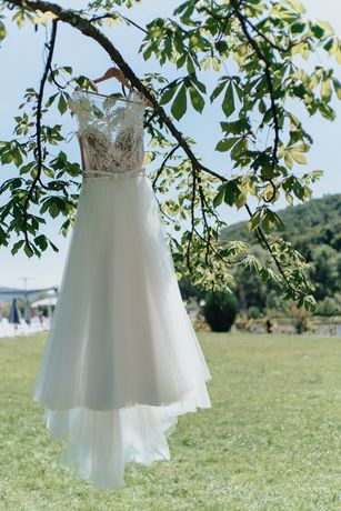 Булчинска/сватбена рокля