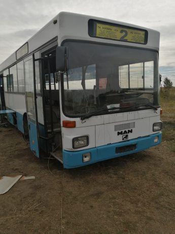 Продам автобус на запчасти
