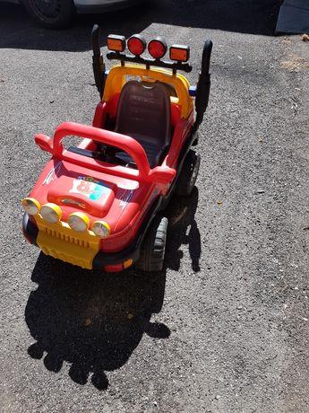 Vând mașinuță jeep copii
