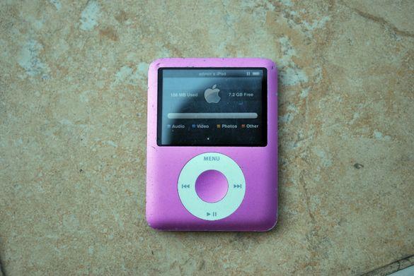 Apple iPod Nano 3rd Generation Pink 8GB