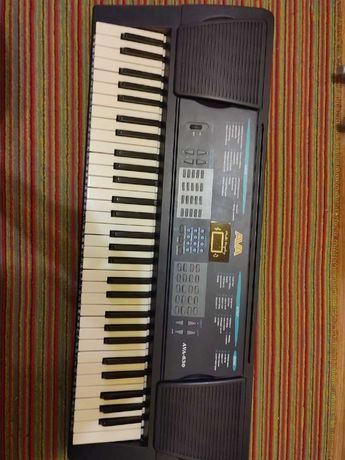 Продам синтезатор AVA-630