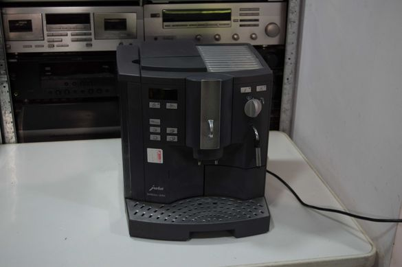 Кафеавтомат jura impressa ultra .Имануждаотпрофилактика !