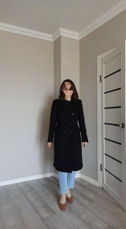Пальто  чёрное zara