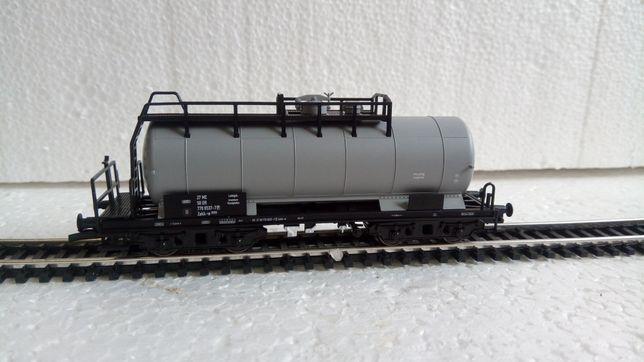 tillig 18503, Vagon cisternă Zakk-w din DR, trenulet electric TT, 12mm
