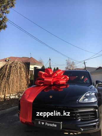 Огромный подарочный атласный бант на  авто машину