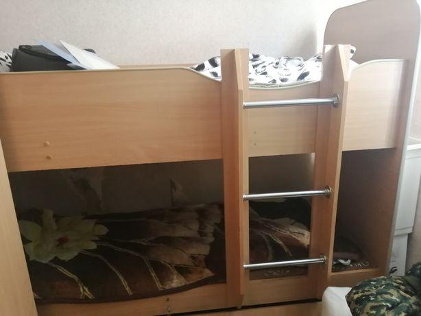 Кровать двухярусный