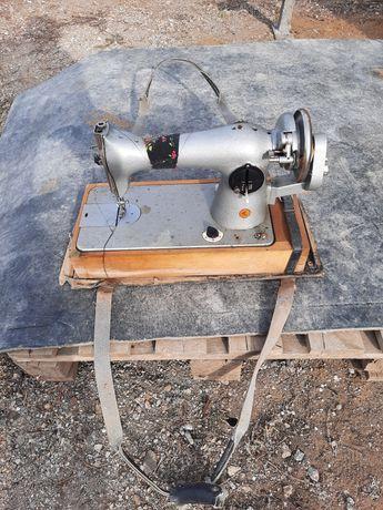 Швейная машинка механическая