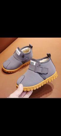 Продаётся детские ботиночки новые 4000 тг