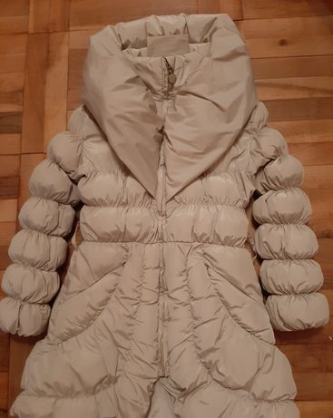 Пухкава и елегантно зимно яке за госпожица