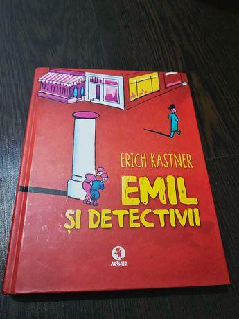 Carte Emil si detectivii
