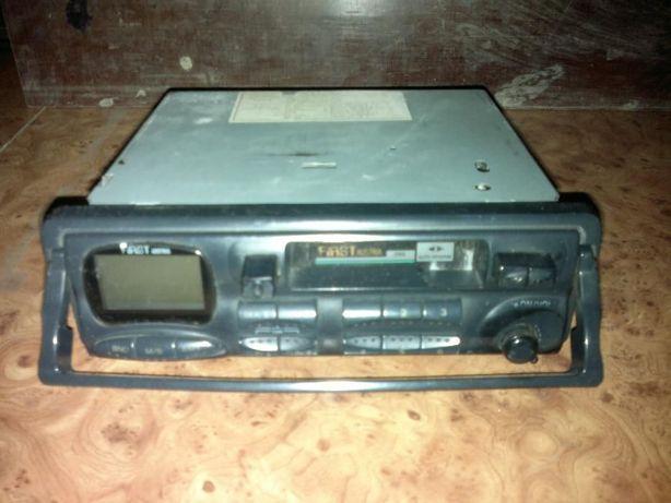 Radio- casetofon auto