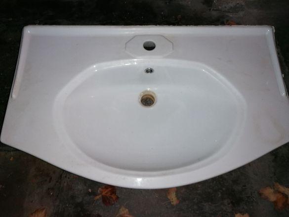 Керамична мивка за баня