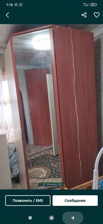 Угловой шкаф 18000 с пеналом и зеркалом
