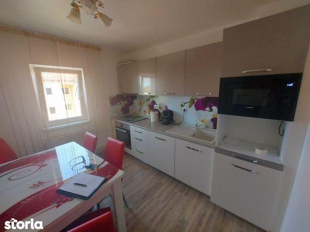 Apartament cu 4 camere complet mobilat ,utilat zona girocului 88mp