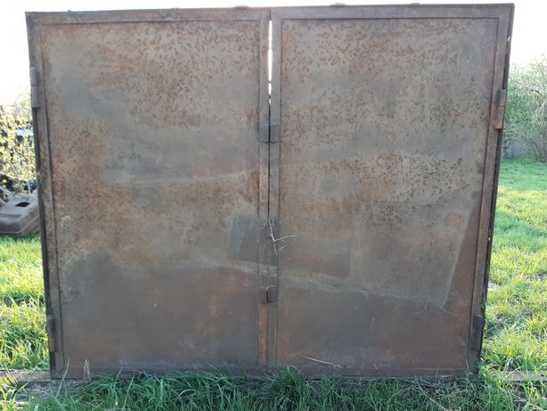 Продам железные ворота для гаража