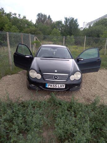 Dezmembrez Mercedes c 200 2.2 2005 w203 nu am catalizator