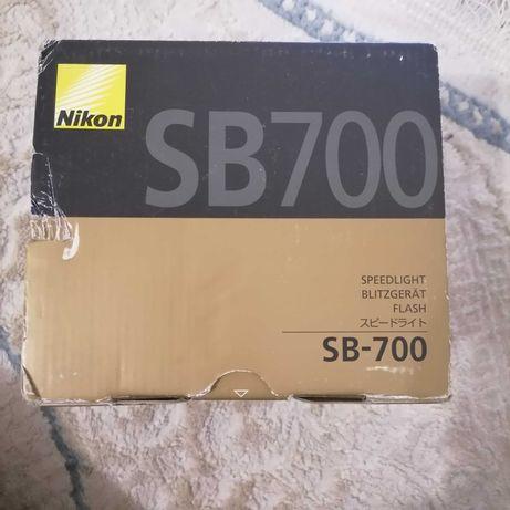 Срочно Nikon Вспышка Sb-700+синхринизатор youngnuo yn622n