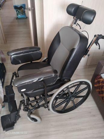 Срочно продаются две коляски инвалидные одна 30тысяс,вторя 80 тысяч.