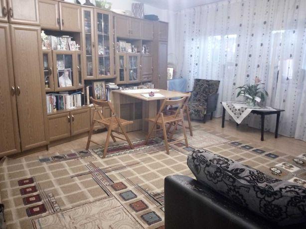 apartament 3 camere 100 mp. 1 MAI bl.nou