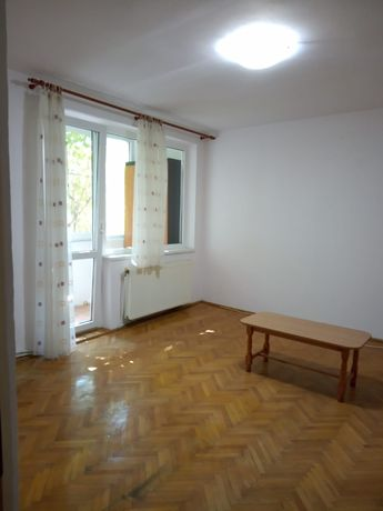 VÂND Apartament Decomandat