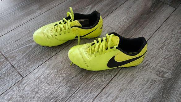 Калеври Nike tempo
