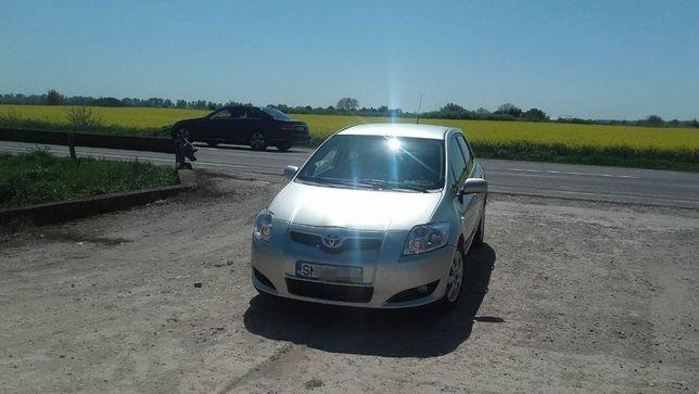 Toyota Auris 1.4 benz.  2007