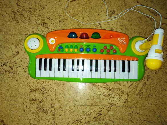 Детска йоника с микрофон с 22 клавиша