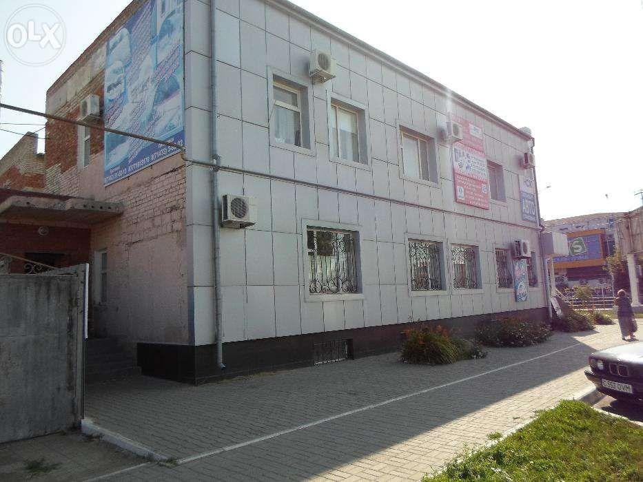 Здание целевое назначение жилой дом с магазином смешанных товаров