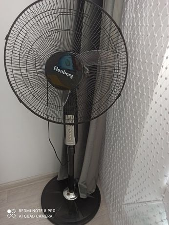 Продам вентилятор. В отличном состоянии. Крепкая стойка, таймер