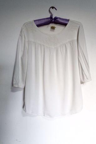 Нежна блуза с красиви бродерии от Америка