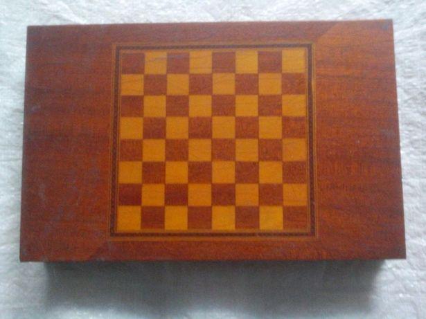 Table +piese șah