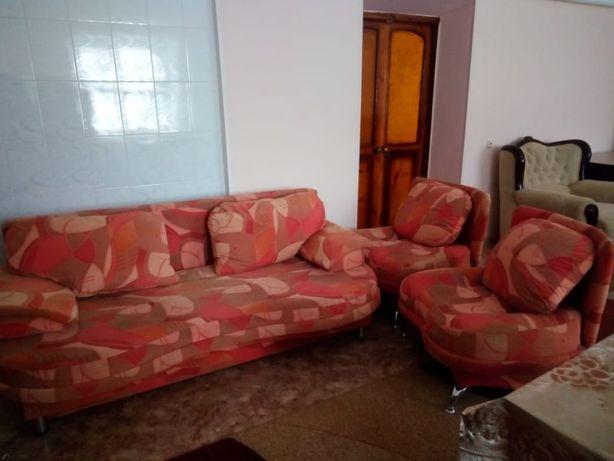 продам диван раскладной с креслами
