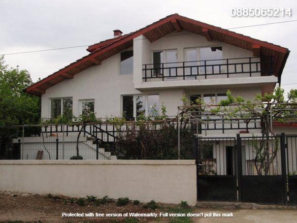Собственик продава масивна къща в с.Бенковски, на 12км. от гр.Варн