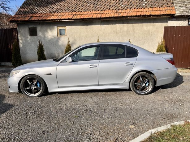 Dezmembrez BMW 530D automat Mpachet Titan Silver Metallic