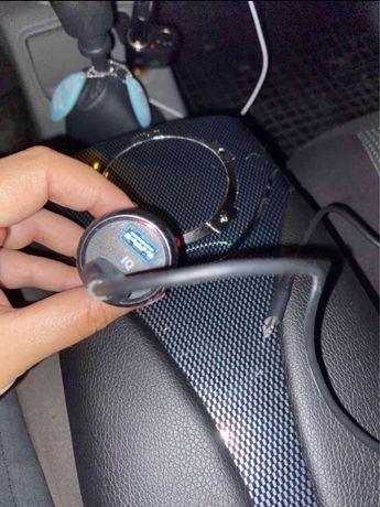 Incarcator auto anker lighning + inca o mufa libera