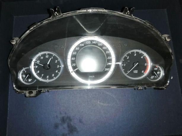 Ceasuri Bord Mercedes E Class W212 Cod A2129000508