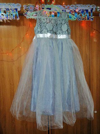 Платье для девочки 10-12 лет, нарядное.