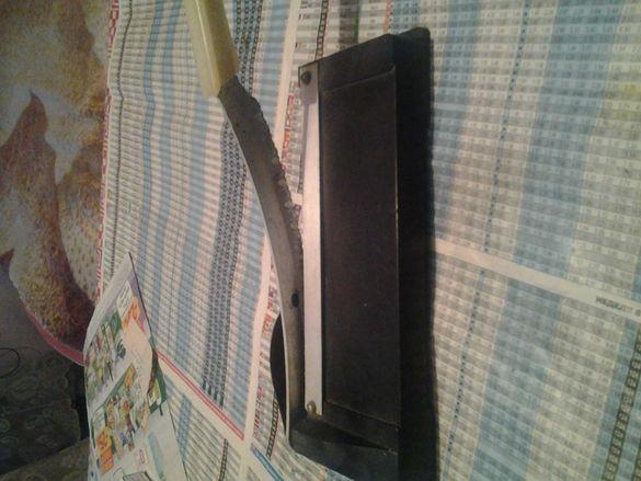 Продавам фотографски нож