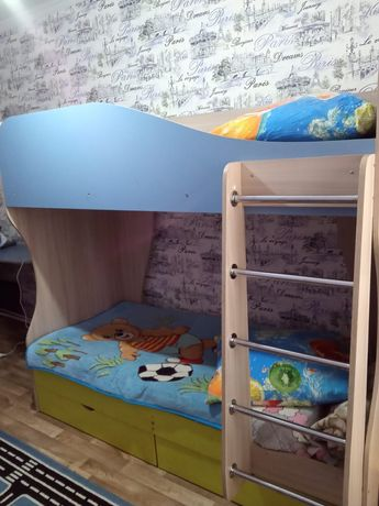 Продам деткую 2(х)этажную кровать