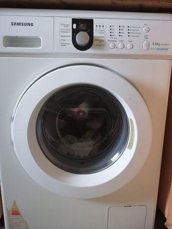 Продам стиральную машинку Samsung.