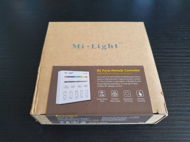 Telecomanda touch pentru controlul iluminatului Mi-Light