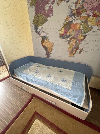 Детская мебель/ мебель подростку 5 в 1; шкаф,кровать, парта