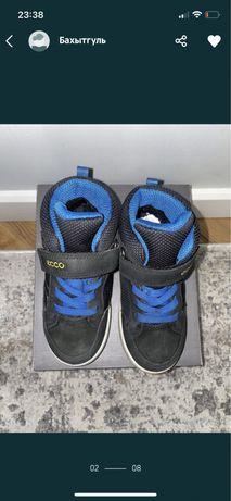 Детская обувь ecco  осенние, можно и на зиму