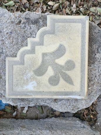 Чистка и мойка тротуарной плитки