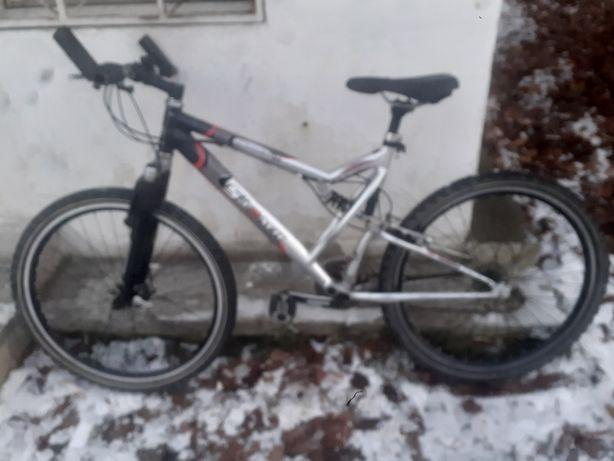 Bicicletă germania shimano frine disc suspensie roti 26