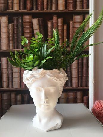 Vaza ghiveci cap de femeie zeita Venus din ipsos cu ciment cu aranjame