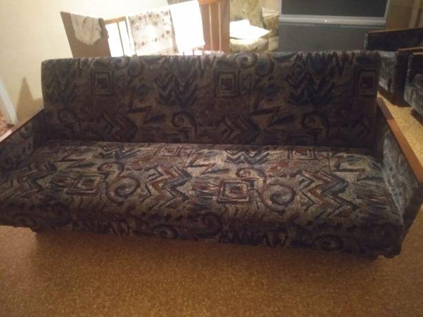 Продам раскладной диван и два кресла